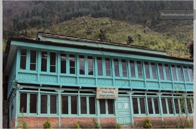 House In Tirthan Valley At Kullu.}