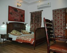 Villa With Kitchen And Lawn In Jaipur