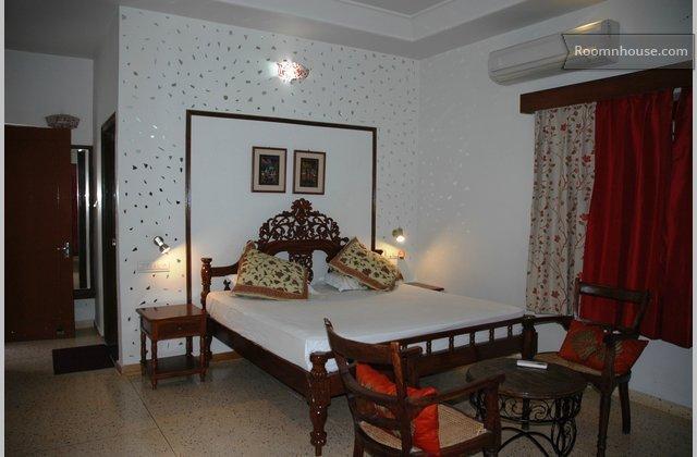 A Specious Villa In Jaipur}
