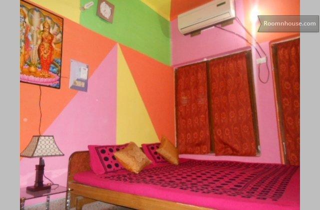 Budget Apartment}