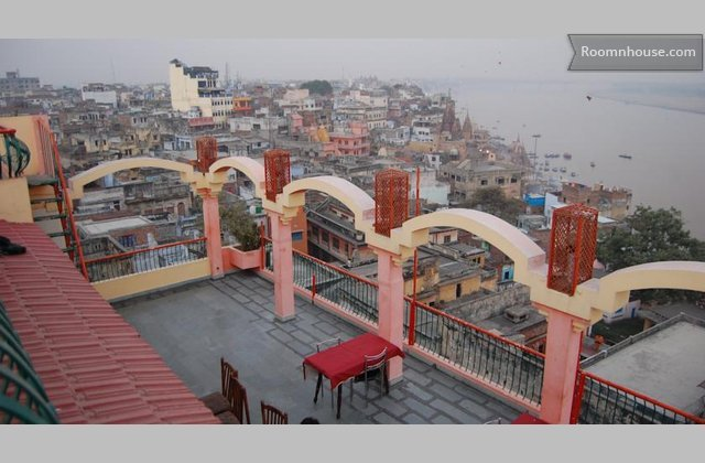 Room With Beautiful Ganges View}