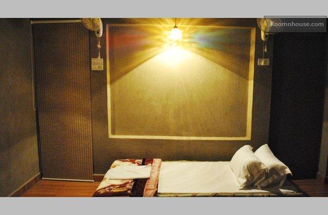 Incredible Accommodation}