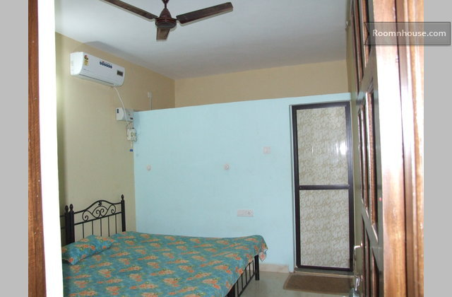 Private Room Double Bed A/C, Near Anjuna Beach}